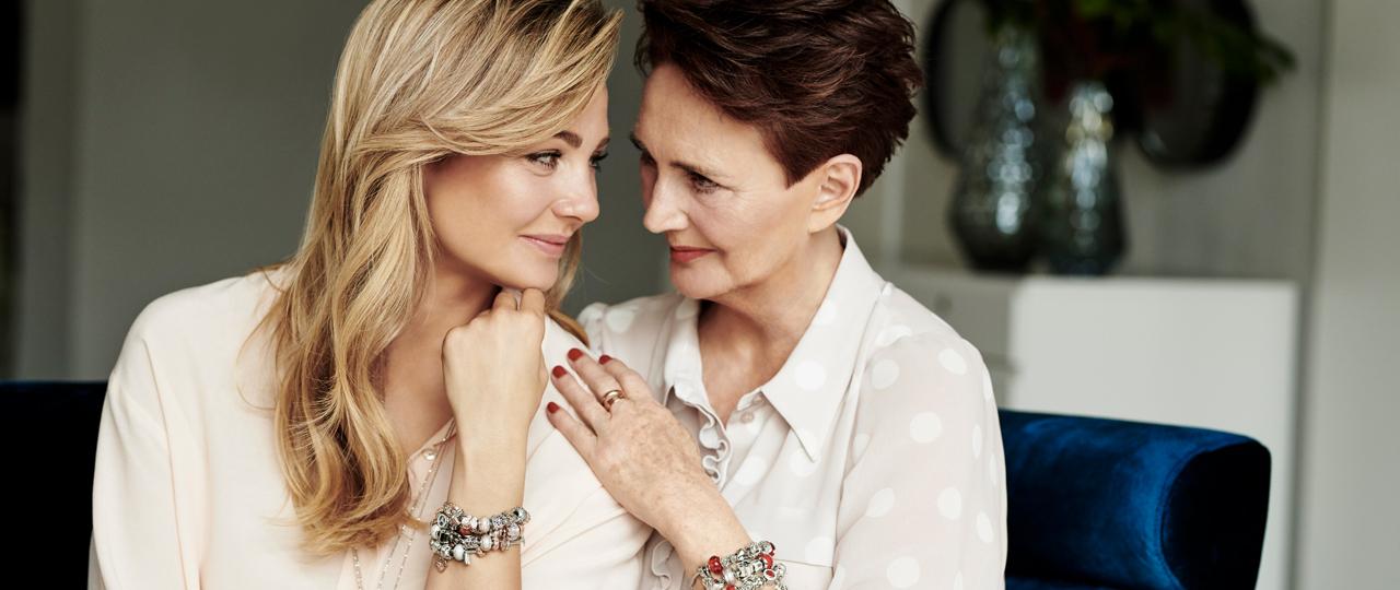 Małgorzata Socha z mamą w nowej kampanii Apart